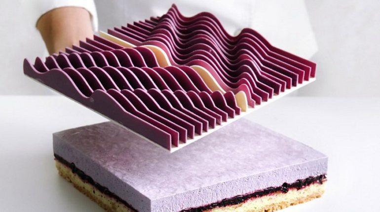 Şefin mühendislik ve matematik ile süslenen pastaları