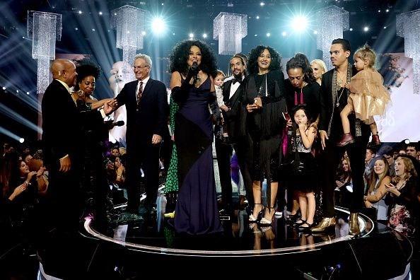 Amerikan Müzik Ödülleri görkemli bir törenle sahiplerine verildi