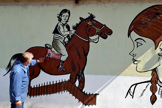 Picasso Mustafa köyünü bir sanat galerisine dönüştürdü