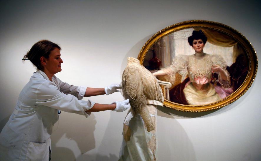 Sorolla sergisinde moda ve sanat sanatseverleri bekliyor