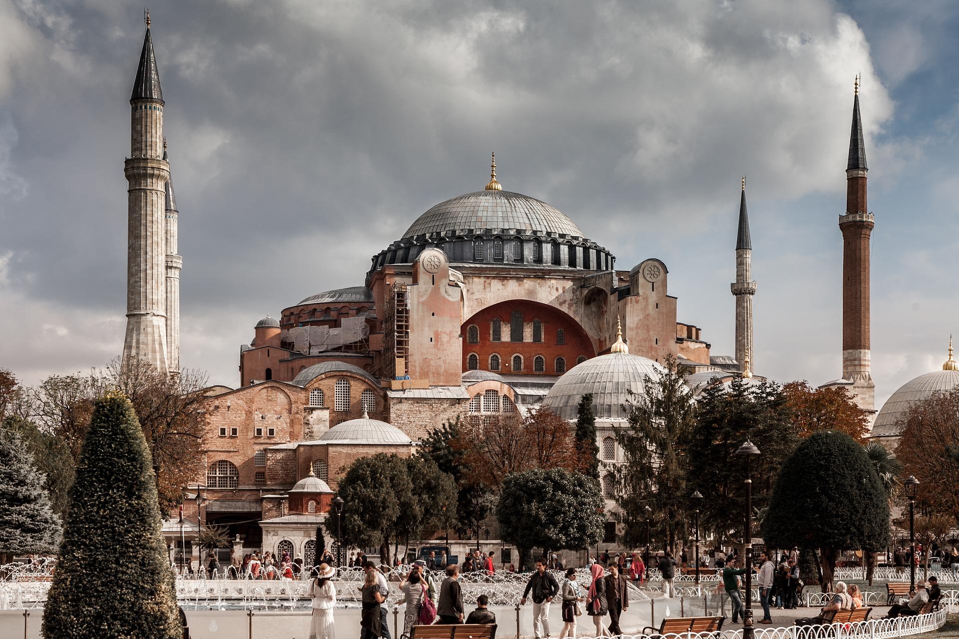 Financial Times: İstanbul'da sanat ekinlikleri için yaşanılabilir