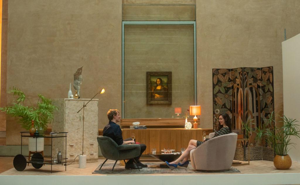Louvre Müzesi'nde şanslı çift müzeyi ziyaret etti, yatılı kaldı